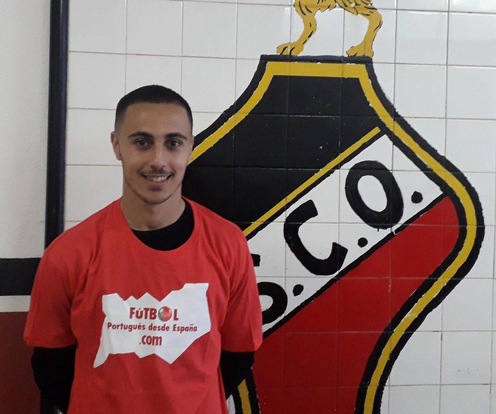 Entrevista a Leonardo Lelo (Olhão, 2000), una de las buenas noticias de SC Olhanense y del fútbol de Portugal en las dos últimas temporadas. Internacional sub 20, se trata de un jugador a seguir.