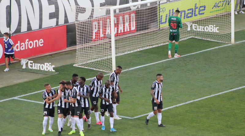 Los jugadores de Portimonense celebran el 2-0. Imagen: Víctor Sierra