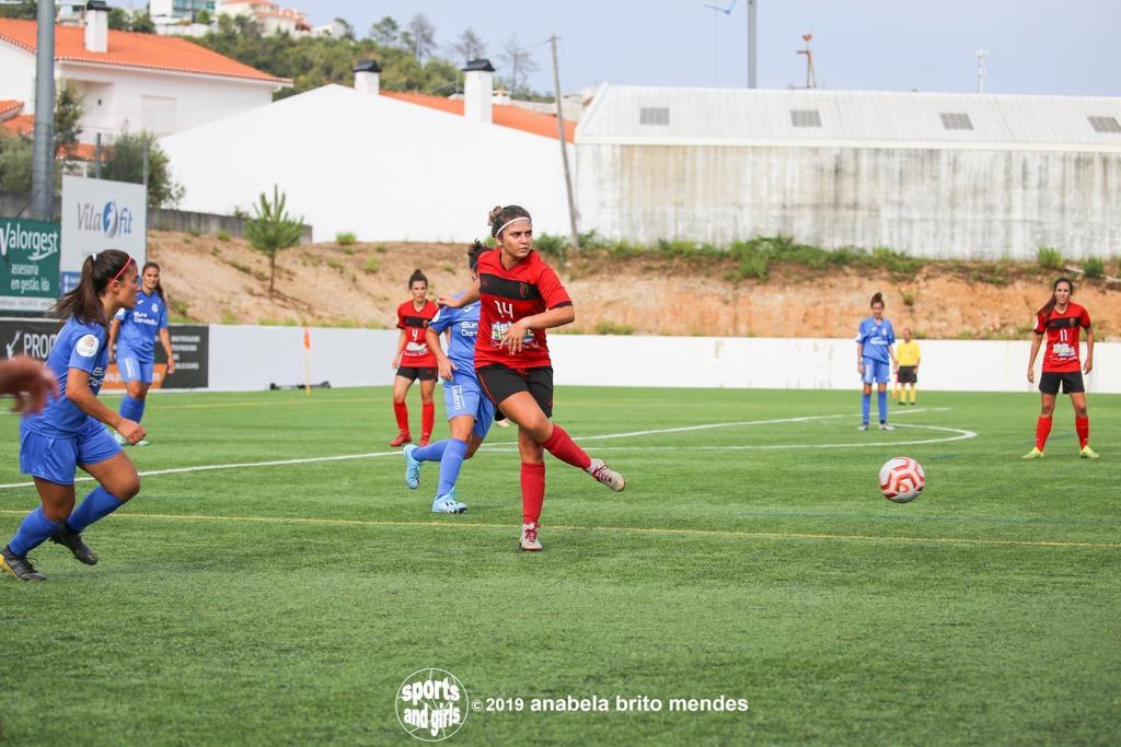 Hablamos con una de las centrocampistas más interesantes de Portugal: Catarina Realista. (Imágenes interiores de Anabela Brito Mendes).